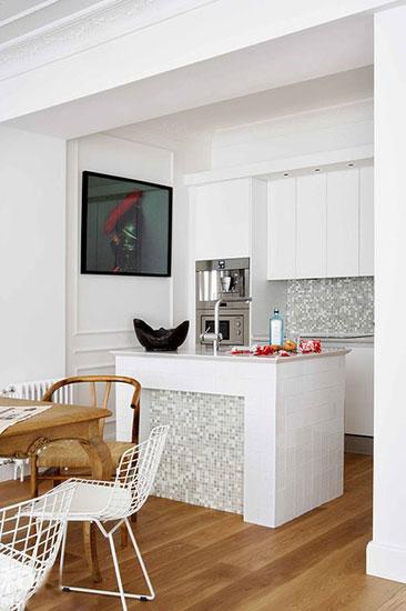 挤 出庖厨空间 8个白色简约小厨房设计图片