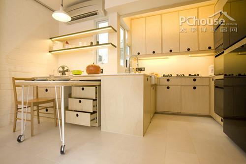 可收起的餐桌也可节省的厨房的空间