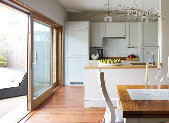设计重点:休闲的花园露台       推荐理由:享受完厨房