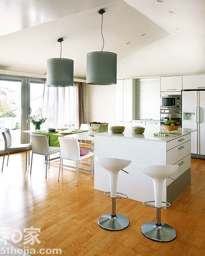 70平小户型装修案例 厨房餐厅-新晋小夫妻70平小户型装修案例