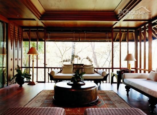 客厅设计-素白帘布作蚊帐 借鉴巴厘岛度假屋设计高清图片