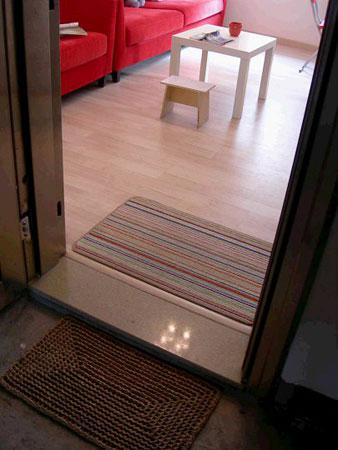 90平米简装修效果图,很小的家居空间,简单的一室一厅,而且是