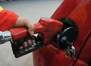 国内油价调价窗口明日打开 或年内第十次下调