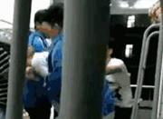 宁波现数名学生寝室围殴 教育部门经查做出处理