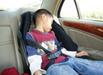 常坐安全座椅睡觉关节错位