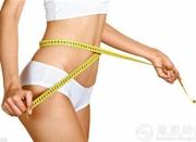 22岁女生减肥减出胃下垂 医生建议趴着吃饭来治疗