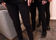 英国75名女生被遣回家:裤子太紧致男生无心学习